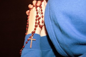 Жертвование – это шаг веры! Человек берет из своего настоящего нечто существенное, дающее ему чувство стабильности, и сеет это в Бога и свое будущее
